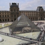 The Louvre was like ants swarming over a sugarcube